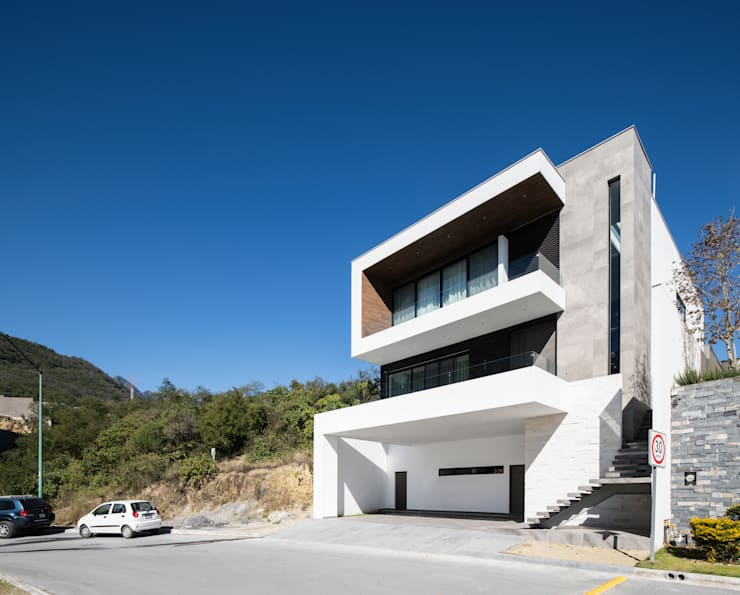 Fachada principal: Casas de estilo  por Nova Arquitectura