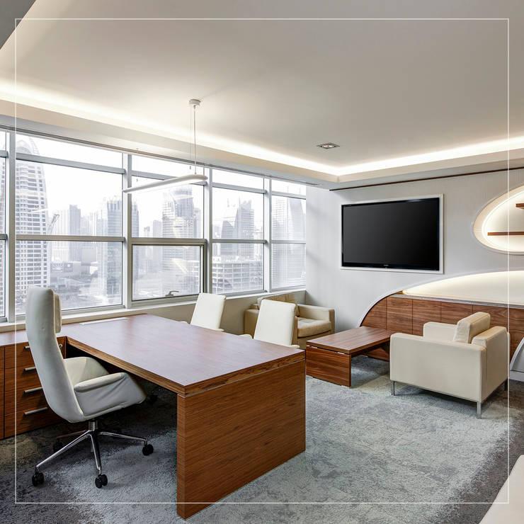 Directorios y escritorios: Estudio de estilo  por Corporación Siprisma S.A.C,
