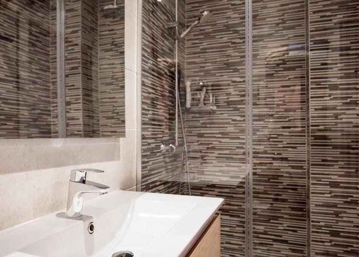 Bathroom by Basoa Decoración,