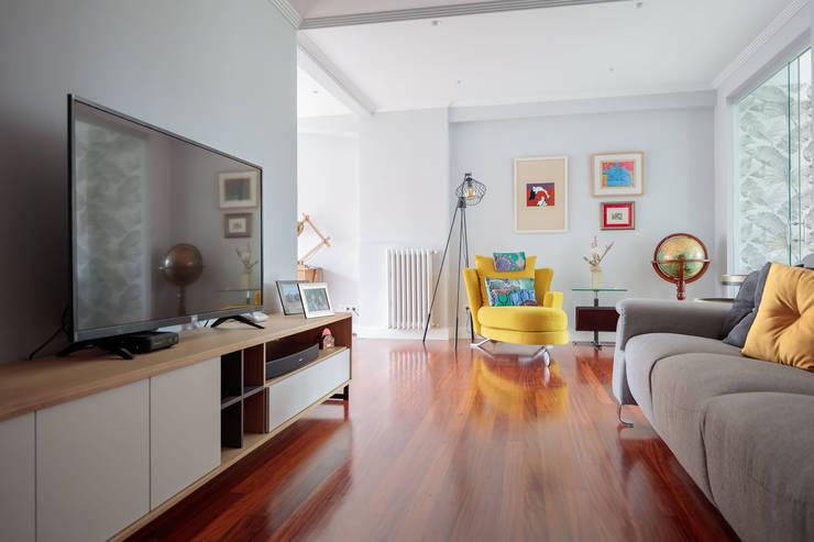 Living room by Basoa Decoración,