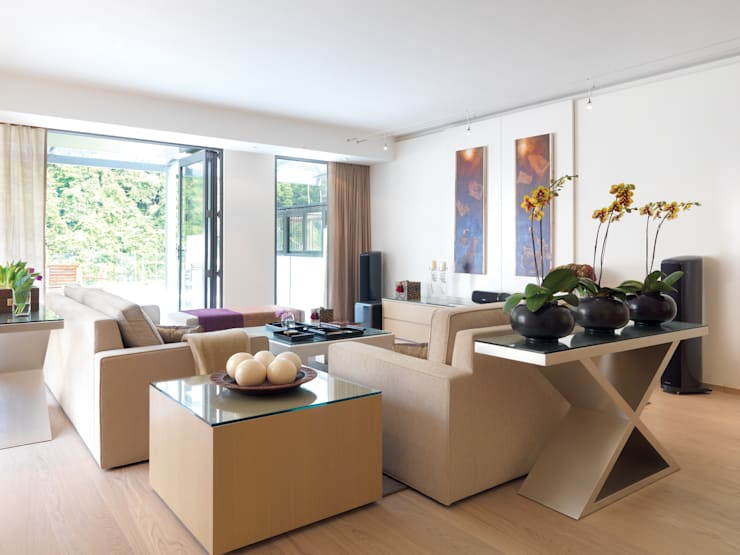 Pok Fu Lam House:  Living room by Original Vision, Modern