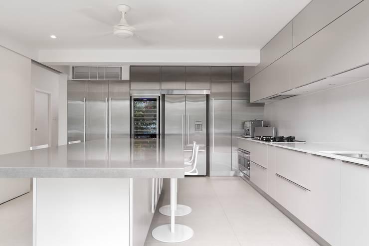 White House:  Kitchen by Original Vision, Modern