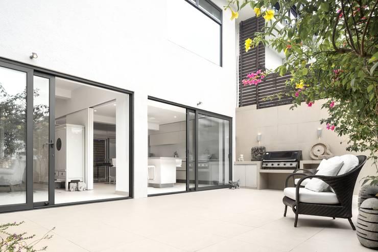 Jardines de estilo  de Original Vision, Moderno
