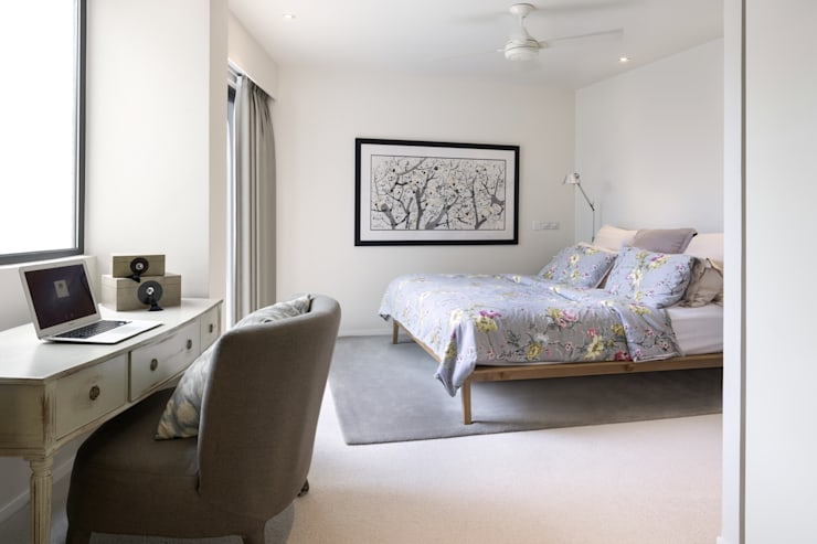 White House:  Bedroom by Original Vision, Modern