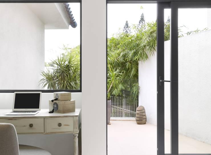 Dormitorios de estilo  de Original Vision, Moderno