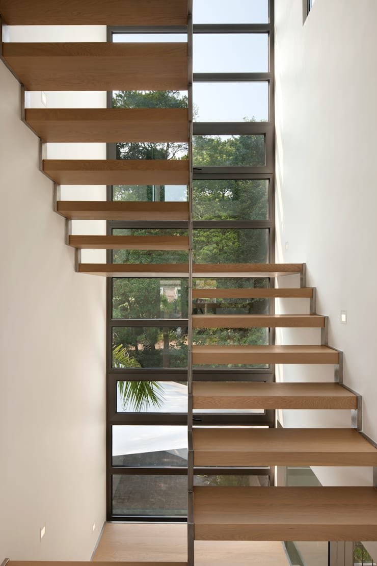 Casa Bosques:  Stairs by Original Vision, Modern
