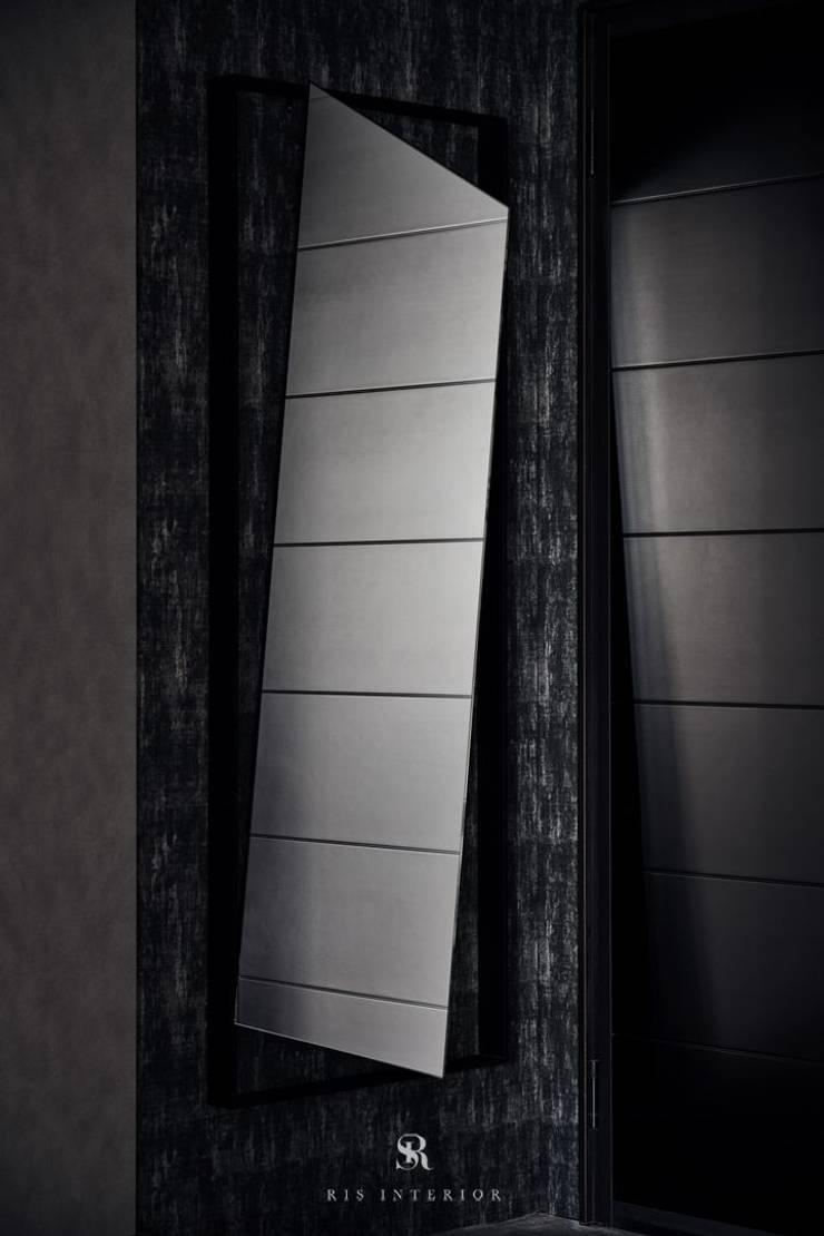 霏霧.烟波|Fog Floated:  玄關、走廊與階梯 by 理絲室內設計有限公司 Ris Interior Design Co., Ltd.