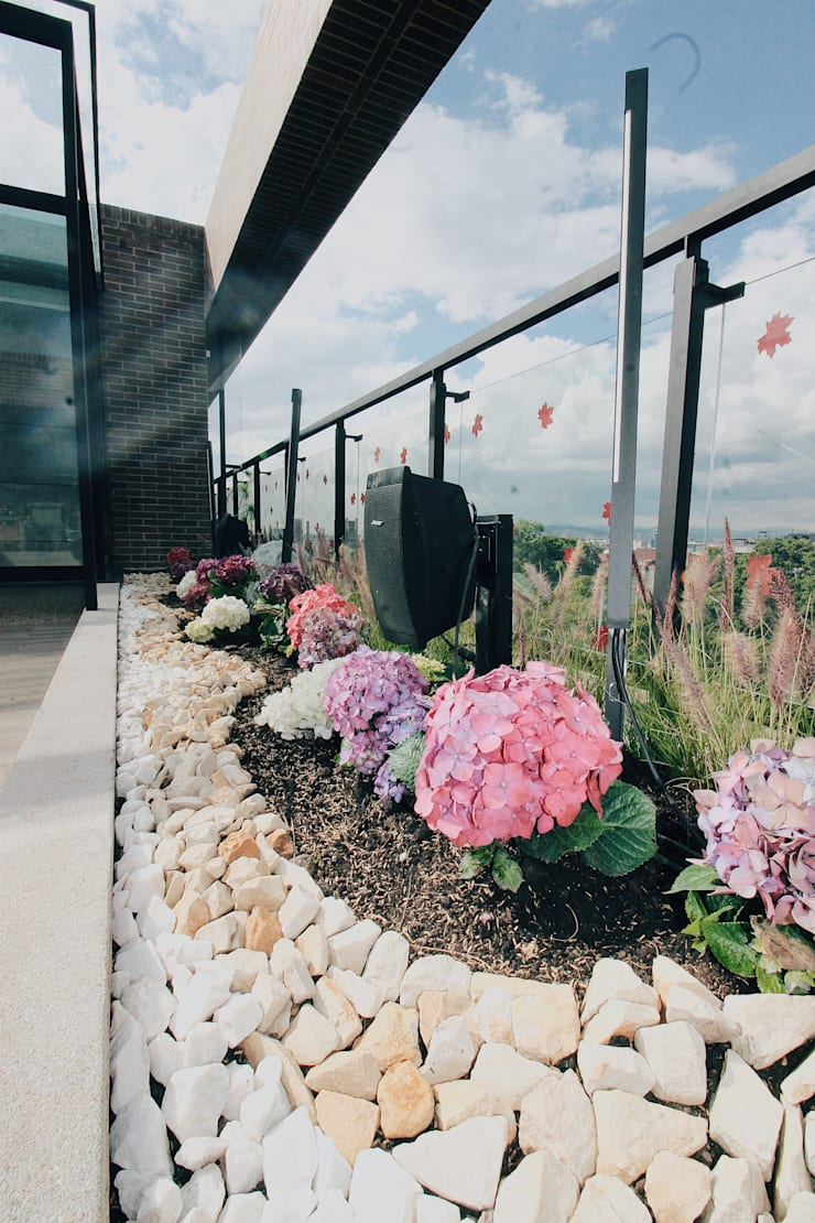 Detalle Jardinera Norte: Terrazas de estilo  por Marga