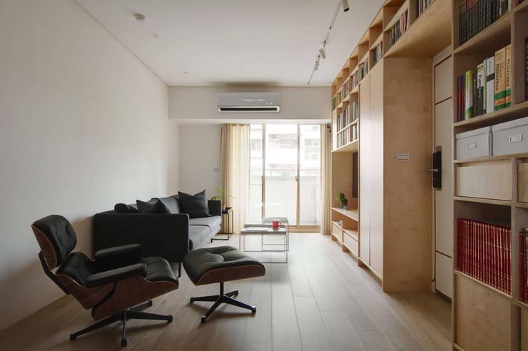 Apartment L:  客廳 by 六相設計 Phase6