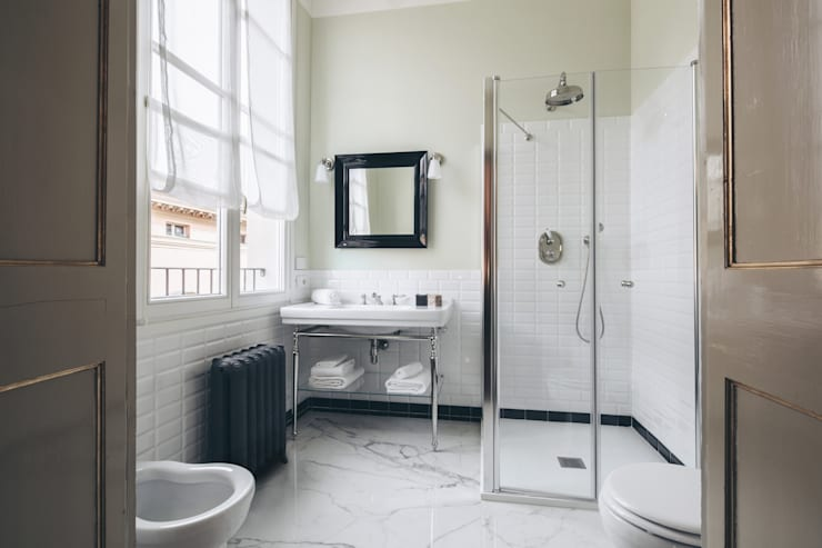 studio lenzi e associati의  욕실
