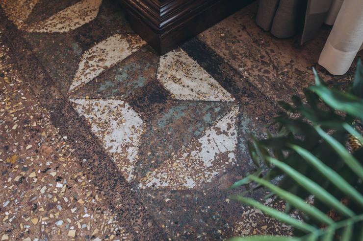 studio lenzi e associati의  바닥