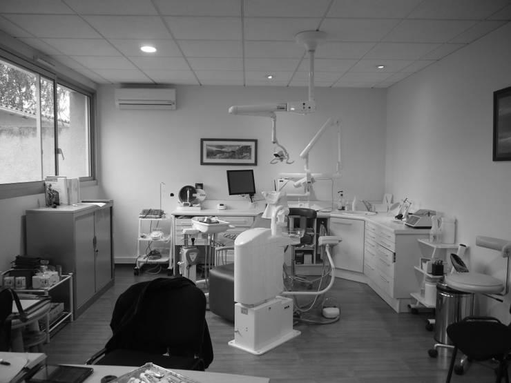 Cabinet Dentaire Chollet:  de style  par MIINT - design d'espace & décoration, Éclectique