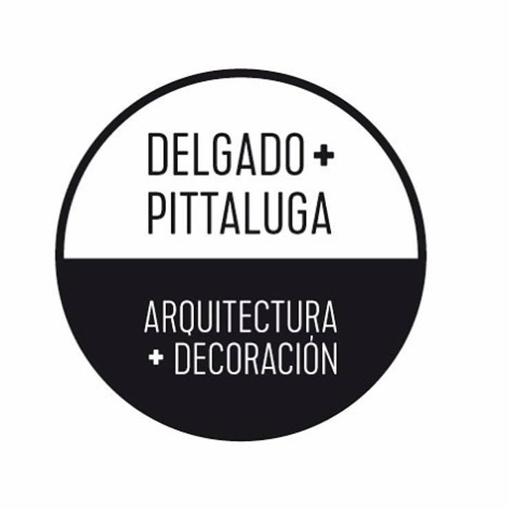 Refacción y Diseño de interiores: Balcón de estilo  por Delgado+Pittaluga,