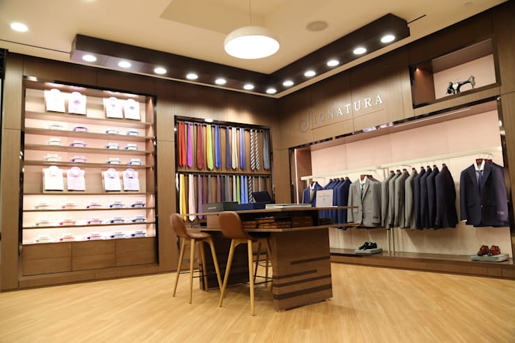 SIGNATURA LOCAL COMERCIAL : Centros comerciales de estilo  por Gallo Rosa S.A.S