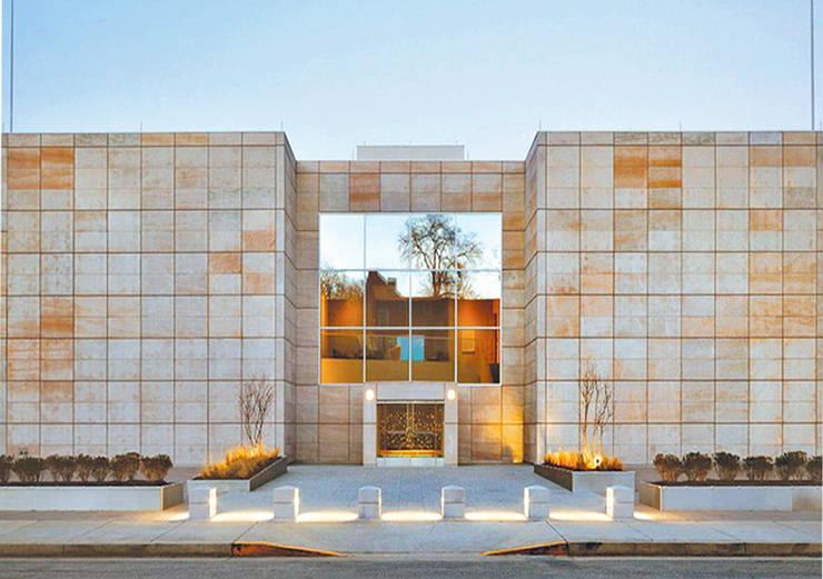 Liệu rằng Marble có phải là đá ốp mặt tiền đẹp nhất?:  Biệt thự by Công ty TNHH truyền thông nối việt