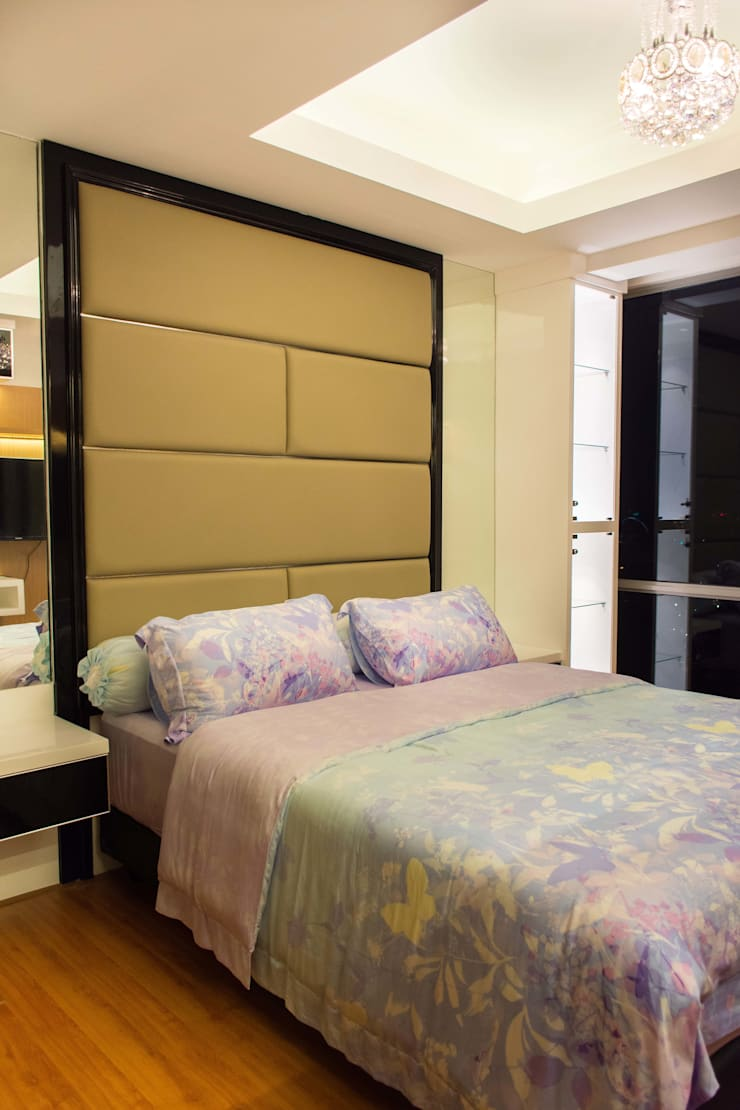 Bedroom Area:  Kamar Tidur by Total Renov Studio