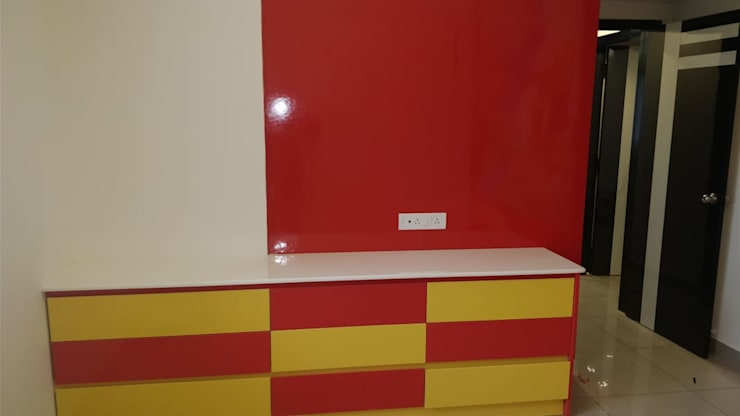 Baby room by SSDecor, Modern Engineered Wood Transparent