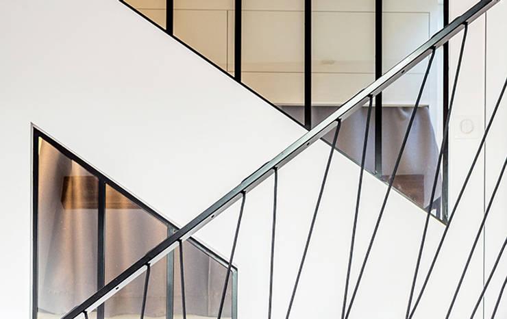 Loft à l'esprit industriel: Escalier de style  par Créateurs d'interieur