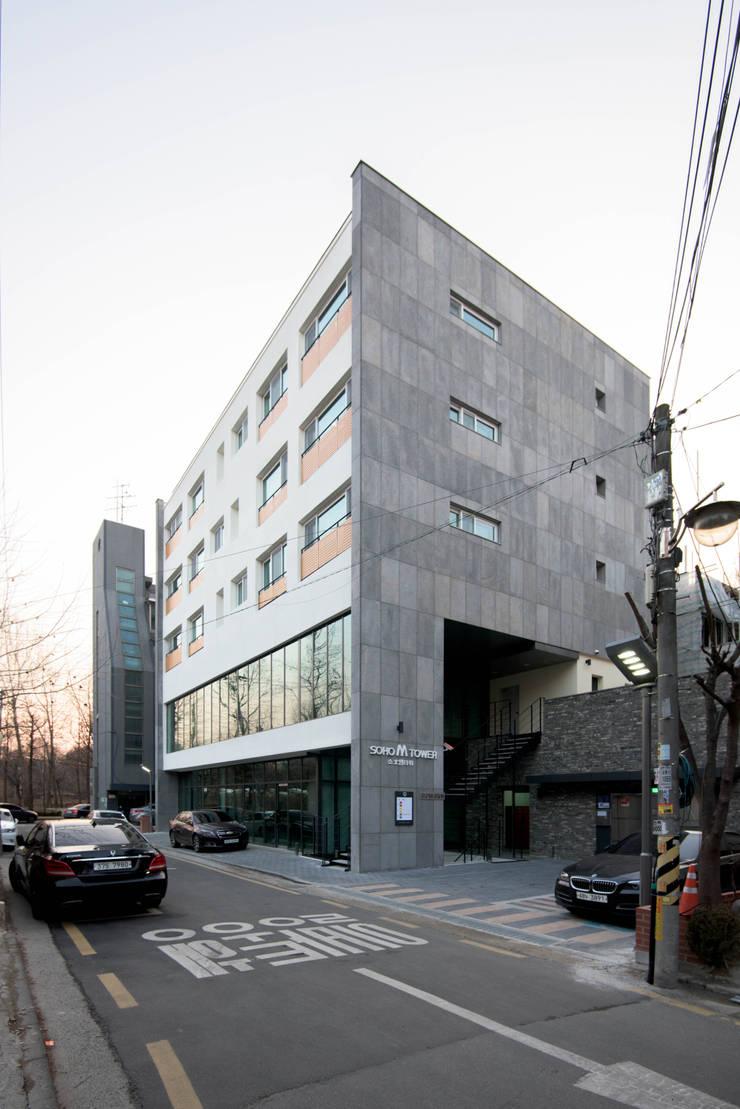 양재동 POP-UP HOUSE: 스튜디오메조 건축사사무소의  다가구 주택,