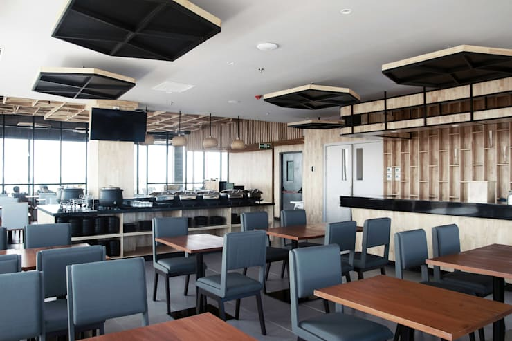 Interior - Indoor Breakfast Area:  Hotels by PHL Architects