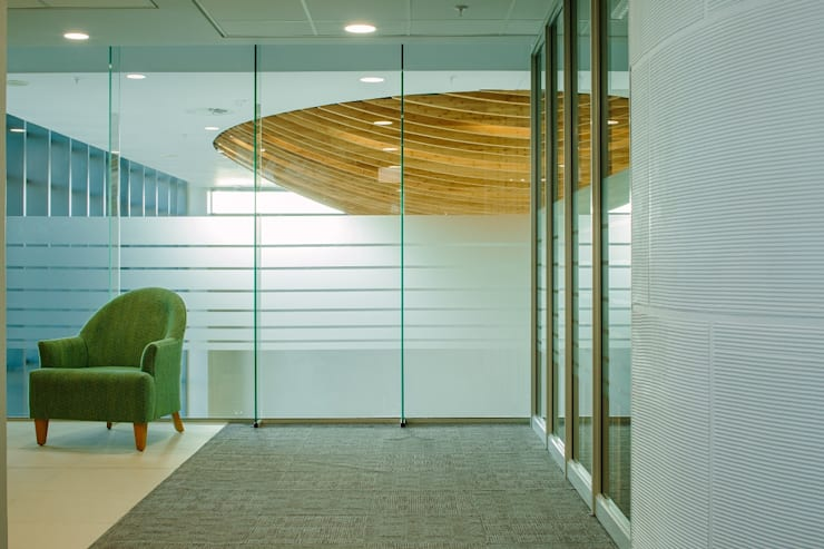 Cubicle Offices:  Office buildings by Activate Space, Modern