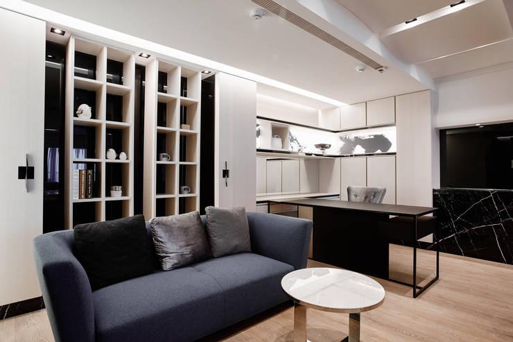瑞嗎空間設計의  서재 & 사무실