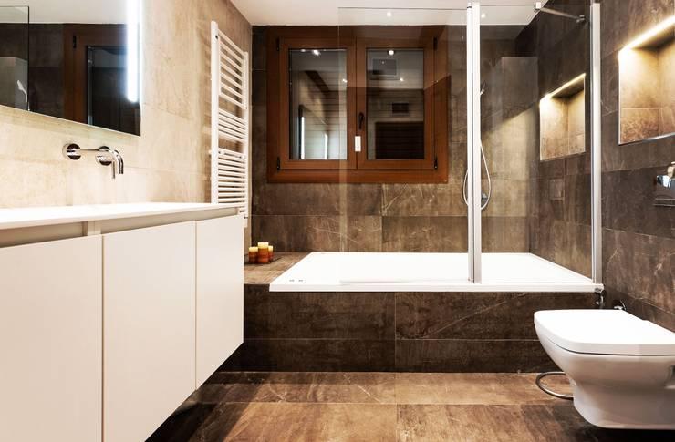 MIX Baños de estilo moderno de Antonio Parrondo Interiorismo Moderno