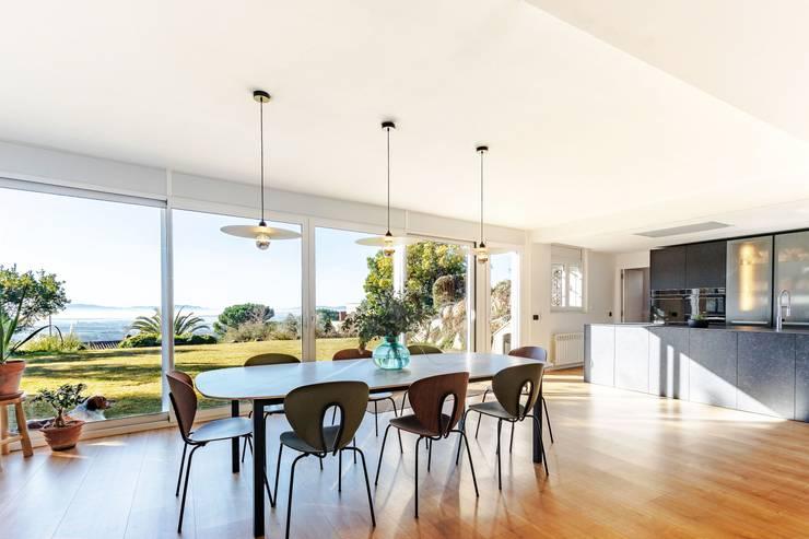 MIX Salones de estilo moderno de Antonio Parrondo Interiorismo Moderno