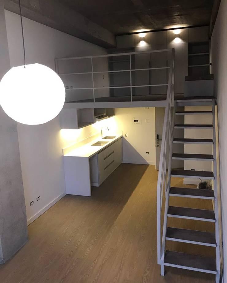 Desarrollo de mobiliario en Aglomerado Pizano, Puerta Closet Cocina Mueble de Baño: Hogar de estilo  por Ensamblarq sas