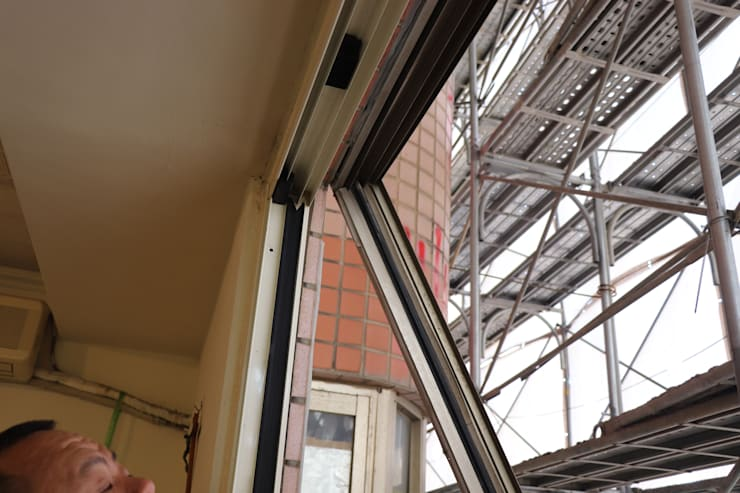 拆除外牆舊窗 僅留室內氣密窗:   by 鵝牌氣密窗-台中直營店