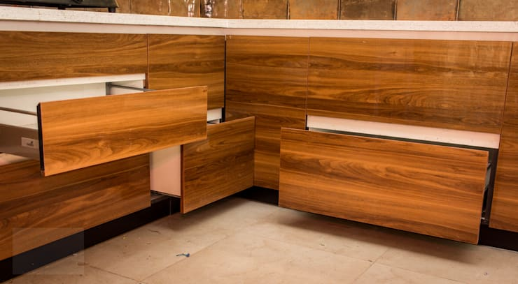 Kitchen units by SSDecor, Modern Engineered Wood Transparent