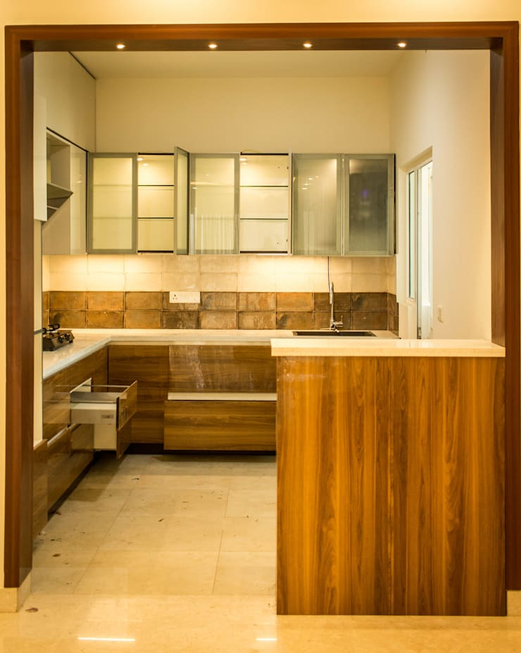 Built-in kitchens by SSDecor, Modern Engineered Wood Transparent