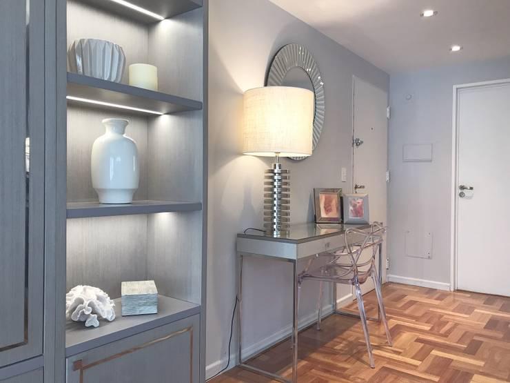 Hall: Pasillos y recibidores de estilo  por Estudio Nicolas Pierry,
