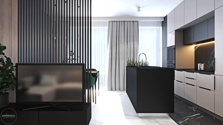 Mieszkanie w kolorze kaszmiru: styl , w kategorii Salon zaprojektowany przez Ambience. Interior Design