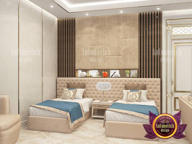 Grand Elegant Twin Bed Interior Design:   by Luxury Antonovich Design