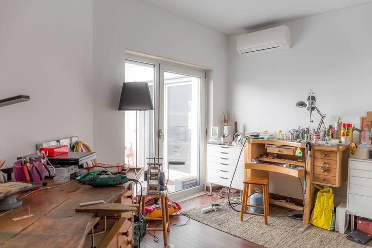 Arbeitszimmer von HOUSE PHOTO