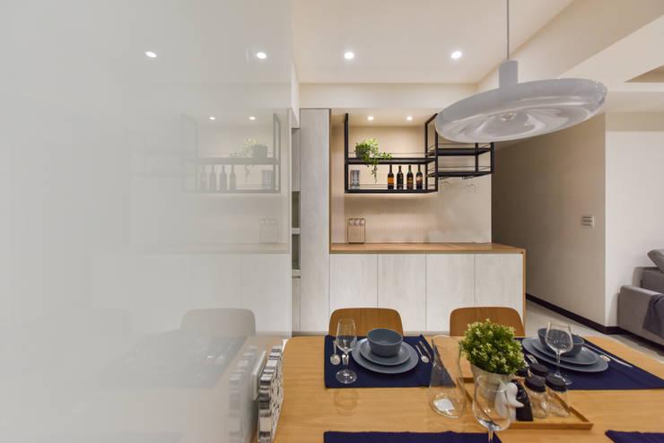 餐廳:  餐廳 by 解構室內設計