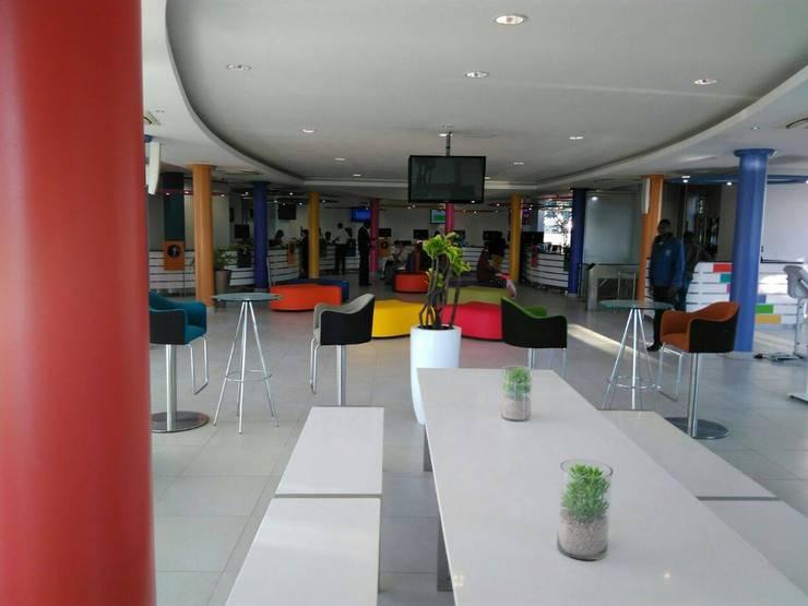 Espacios comerciales de estilo  por Smartdesigns & Turnkey Projects PTY Ltd., Moderno