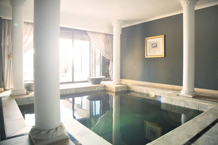 Vaal River:  Hot tub by Plan Créatif