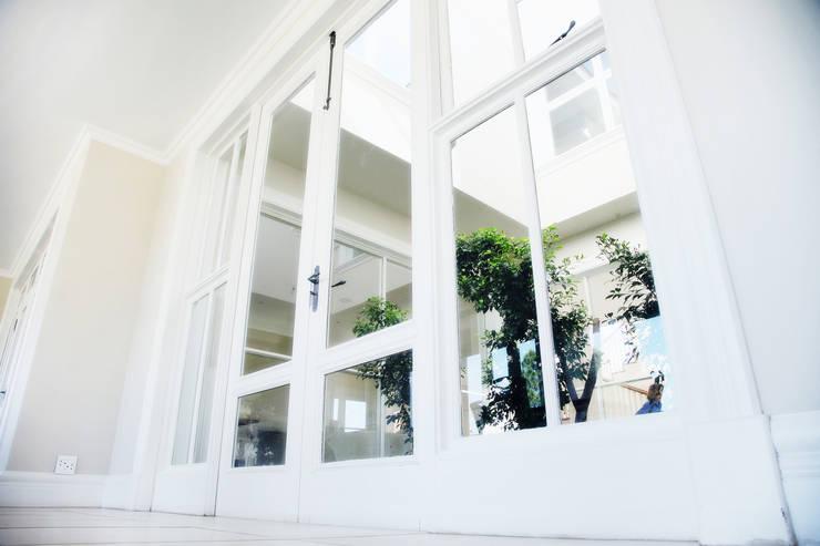 Saddlebrook Estate:  Conservatory by Plan Créatif