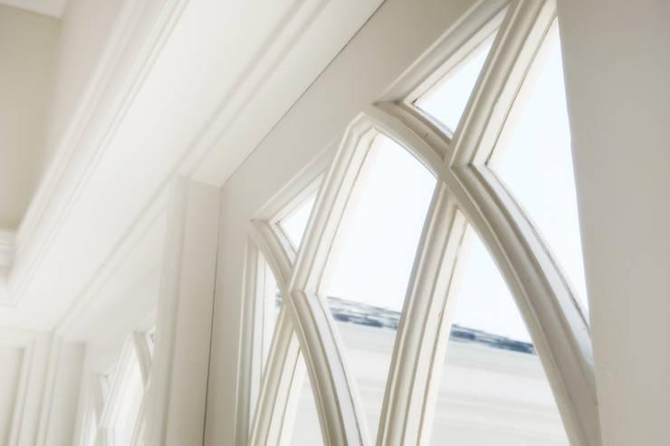 Saddlebrook Estate:  Wooden windows by Plan Créatif