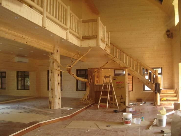 小木屋:   by 茂林樓梯扶手地板工程團隊
