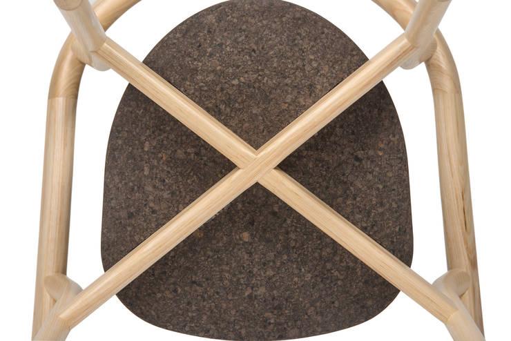 DORA chair - Detail: Casa  por DAM