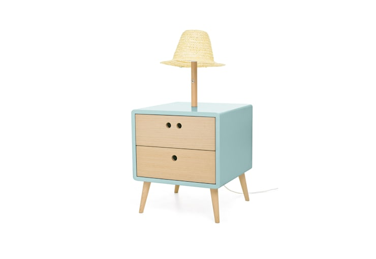 NEL bedside table with lamp - Baby Blue: Casa  por DAM