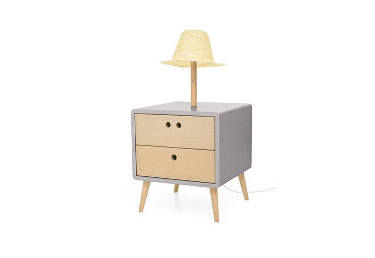 NEL bedside table with lamp - Elegant Grey: Casa  por DAM