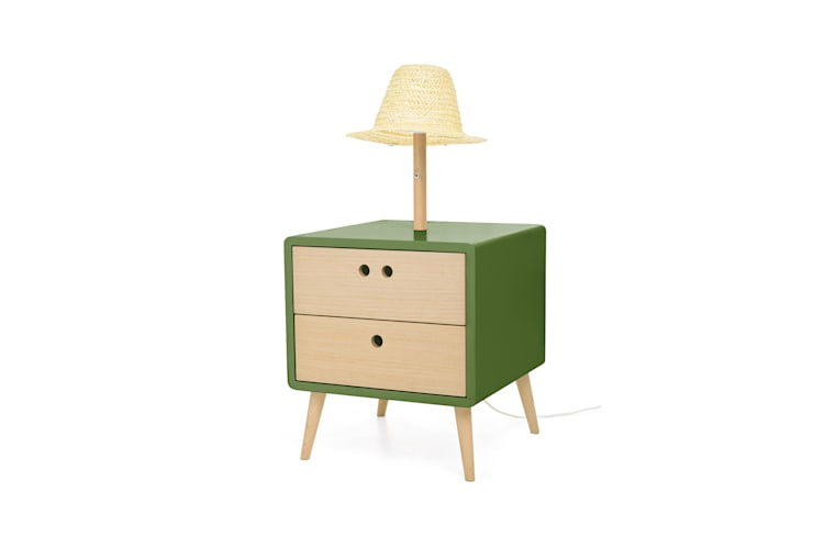 NEL bedside table with lamp - Sleepy Green: Casa  por DAM