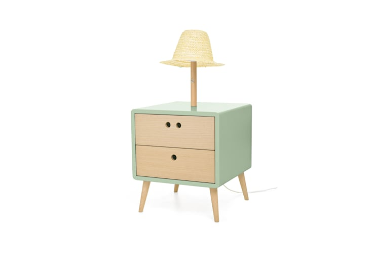 NEL bedside table with lamp - Soft Green: Casa  por DAM