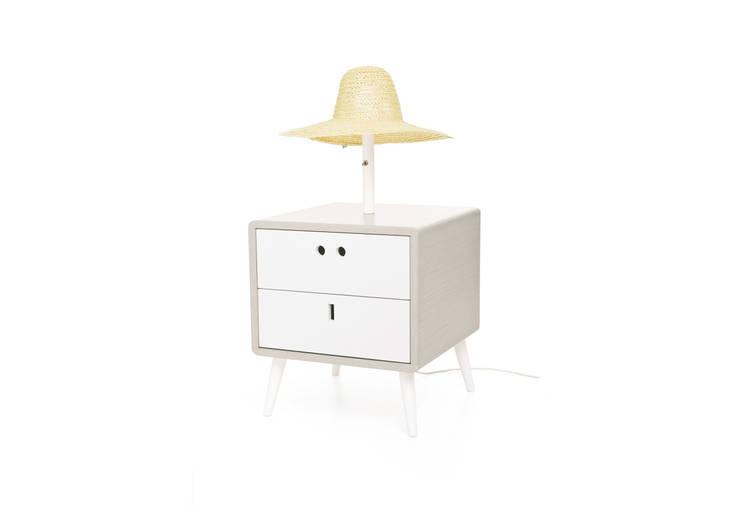 MARIA bedside table - Light Grey: Casa  por DAM