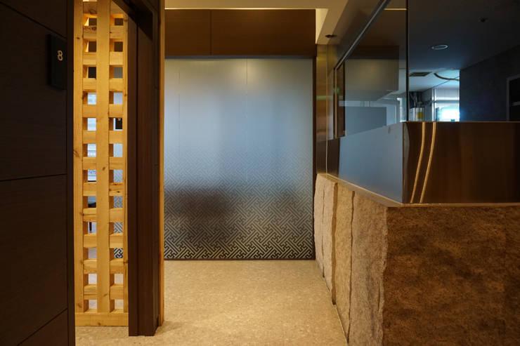 RESTAURANT INTERIOR: 감자디자인의  다이닝 룸