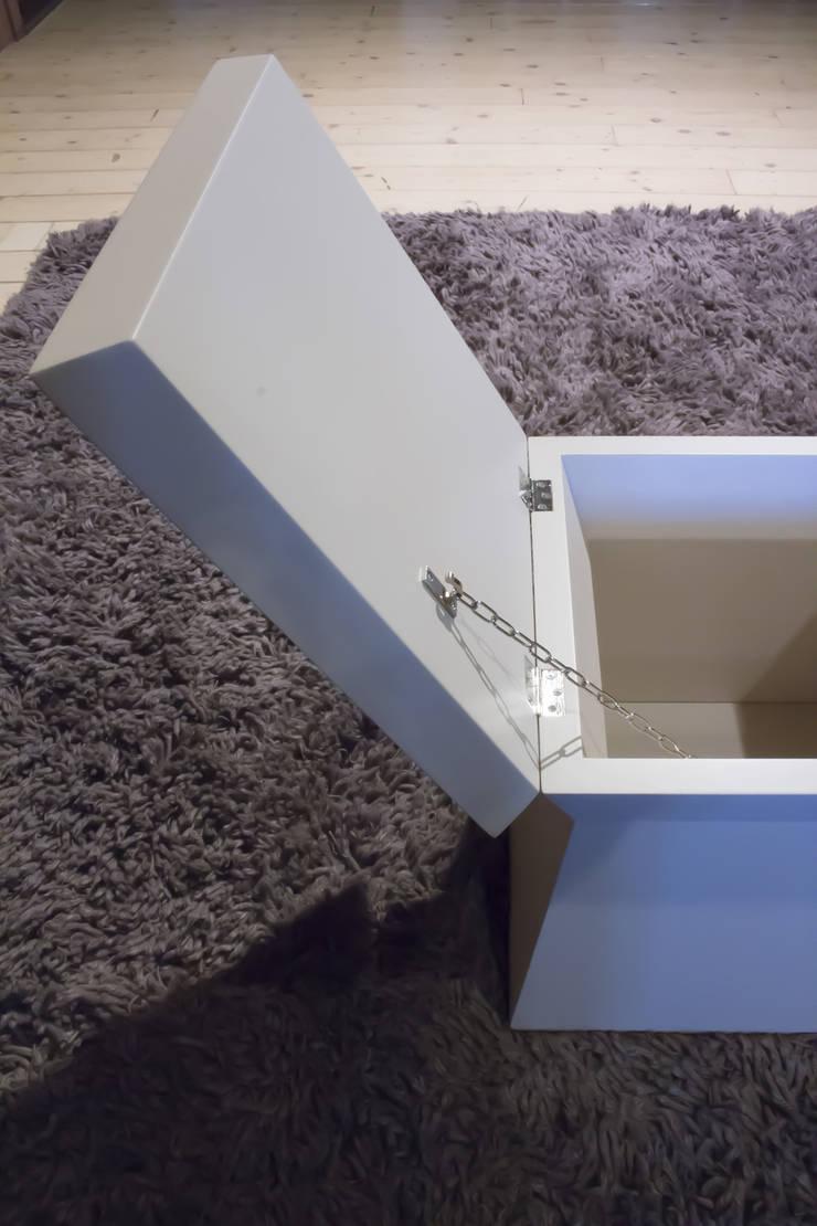 Corridor, hallway & stairs by Arredamenti Caneschi srl